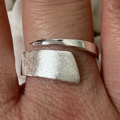 Solid Silver wrap around with satin texture
