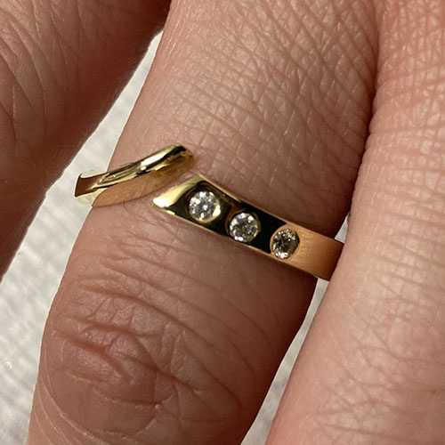 Yellow gold open front ring