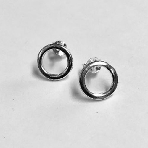 minimalist circle stud earrings with high shine finish