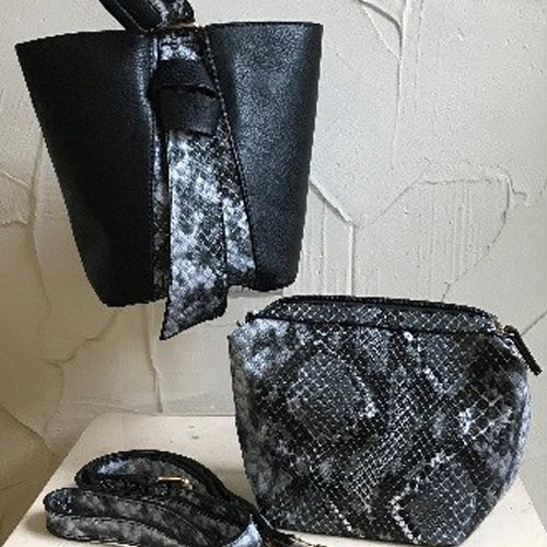 25cm x 20cm small black bag with snakeskin pattern