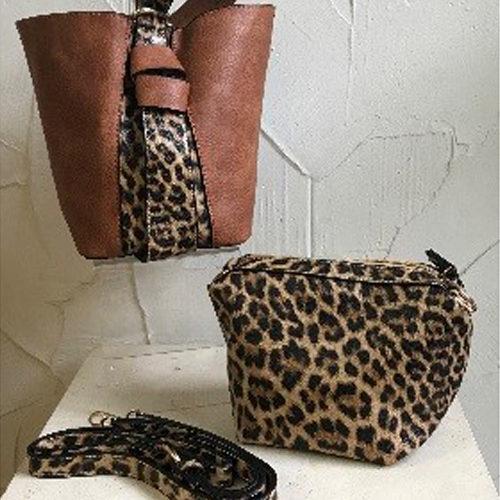 26cm x 20cm tan coloured shoulder fashion bag