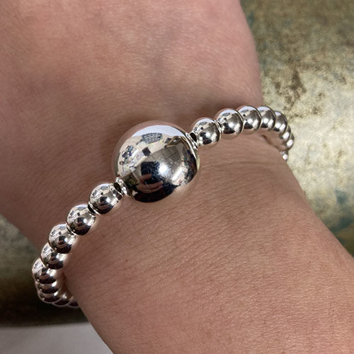 Silver bead bracelet with T-bar