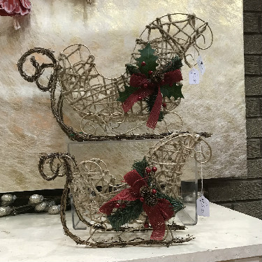 Large gold wire and rope Santa sleigh