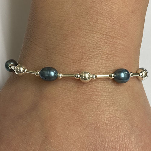 Silver and blue Pearl Bracelet