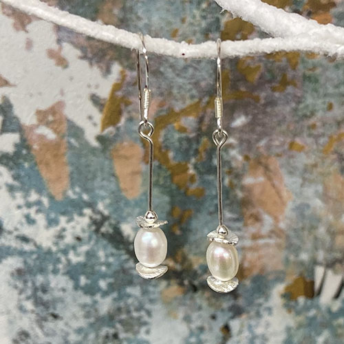 Silver and Freshwater Pearl drop Earrings