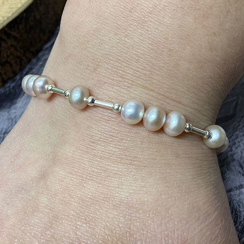 Sterling silver and pink pearl bracelet
