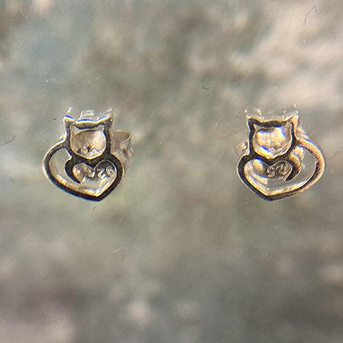 Sterling silver cat shaped earrings
