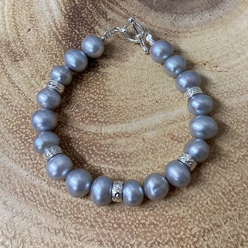 Sterling silver and grey pearl bracelet