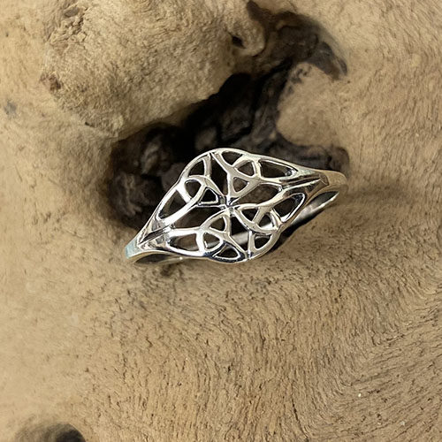 Sterling silver delicate Celtic design ring